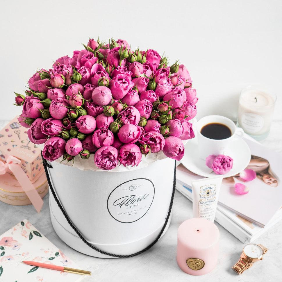 "Шляпная коробка Grand ""Розы Misty Bubbles"" FloraDelivery"