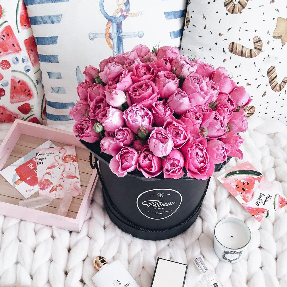 "Шляпная коробка Grand ""Розы Misty Bubbles"" BLVCK FloraDelivery"